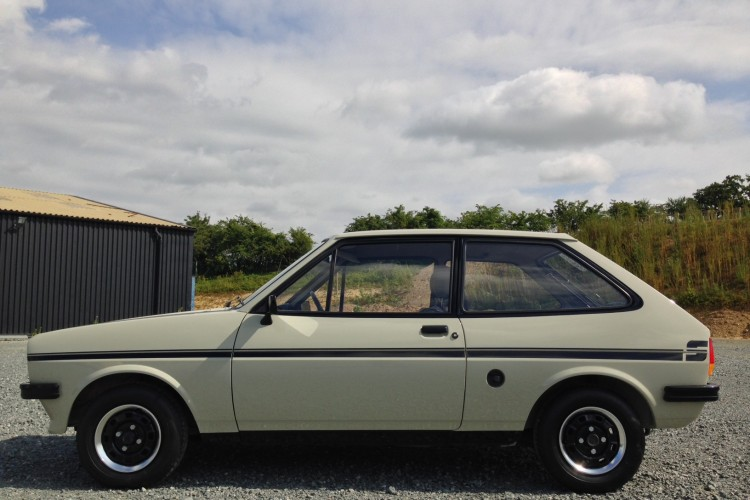 one owner mk1 ford fiesta 1 1 sport appreciating classics. Black Bedroom Furniture Sets. Home Design Ideas